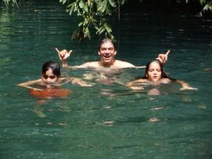 Nadando no Poço Azul em janeiro de 2009